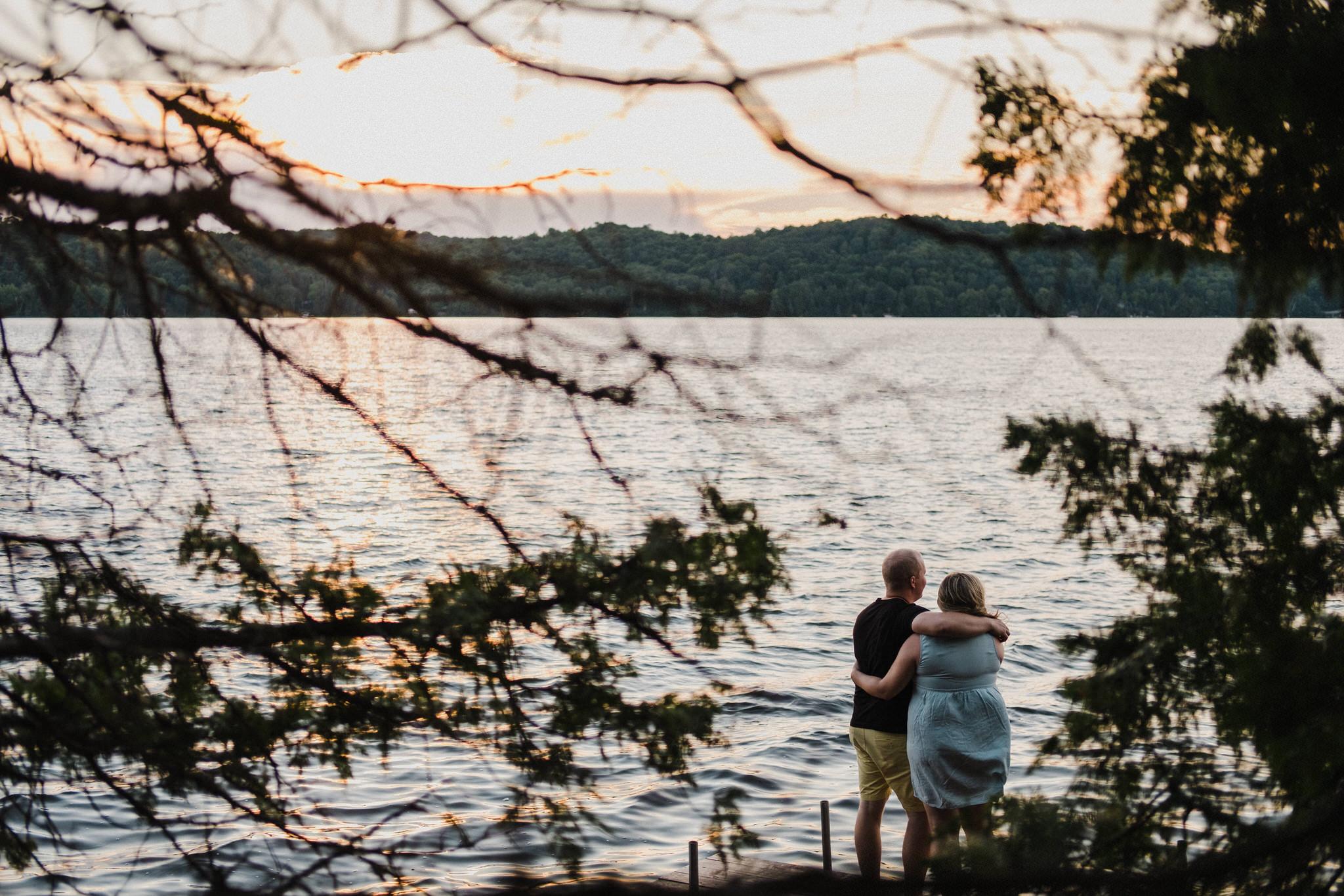 muskoka cottage engagement photos, muskoka photographer, plus sized bride, campfire session