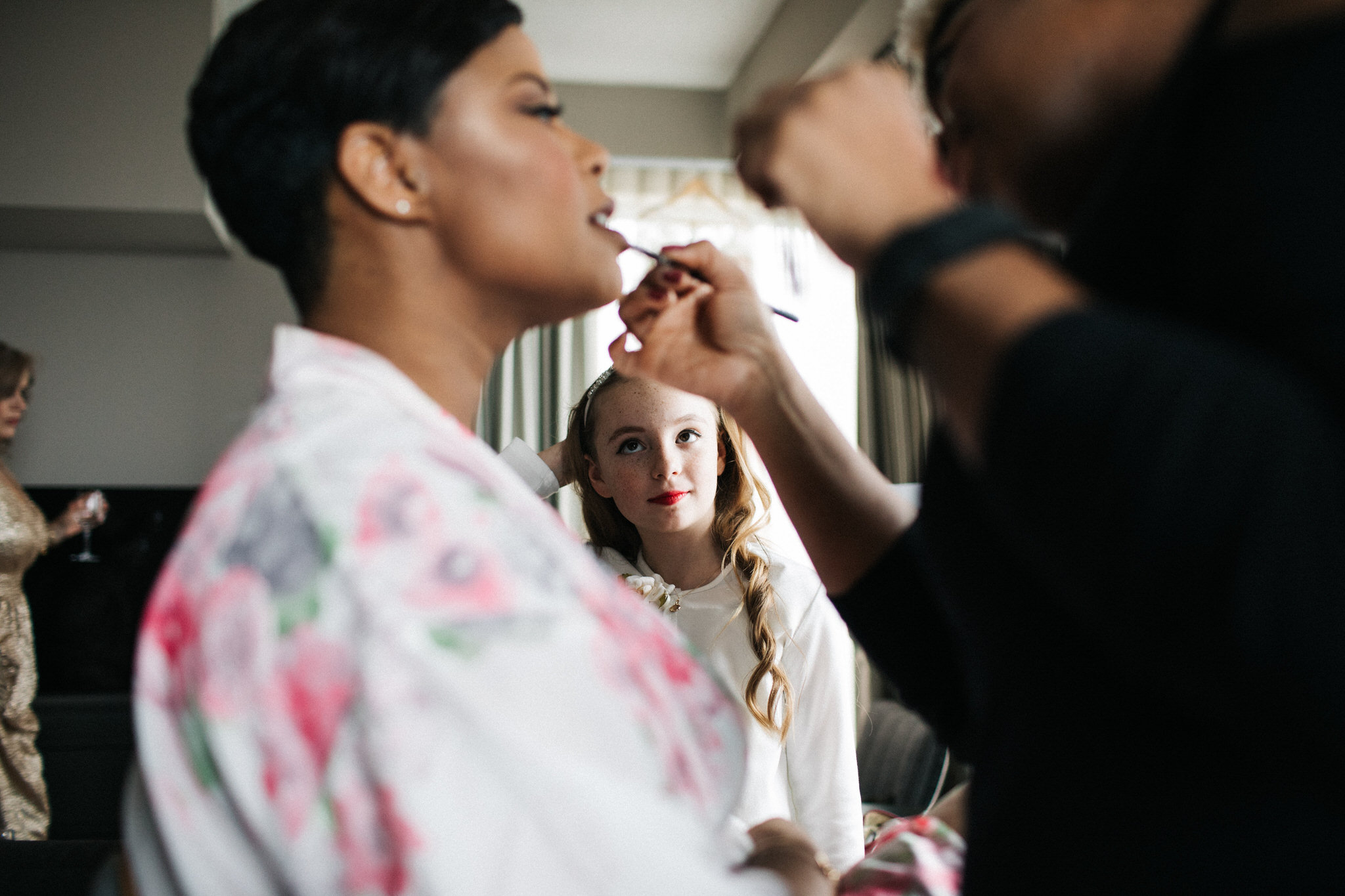 getting ready photos, bridal makeup, one king west, toronto wedding photographer
