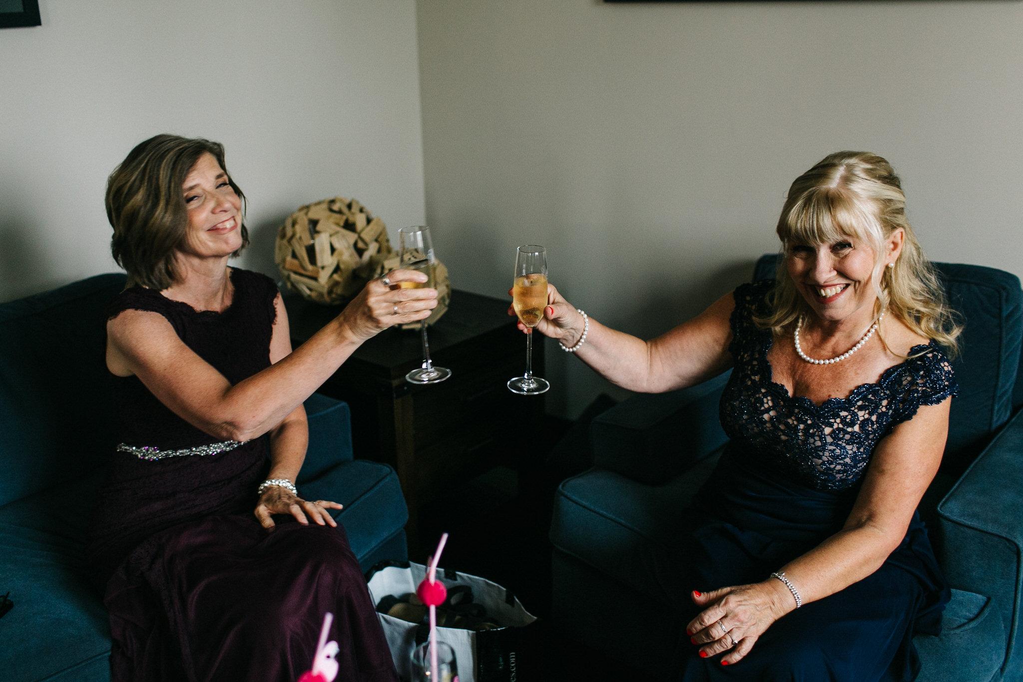 century barn wedding, lindsay ontario wedding, kawartha wedding, moms