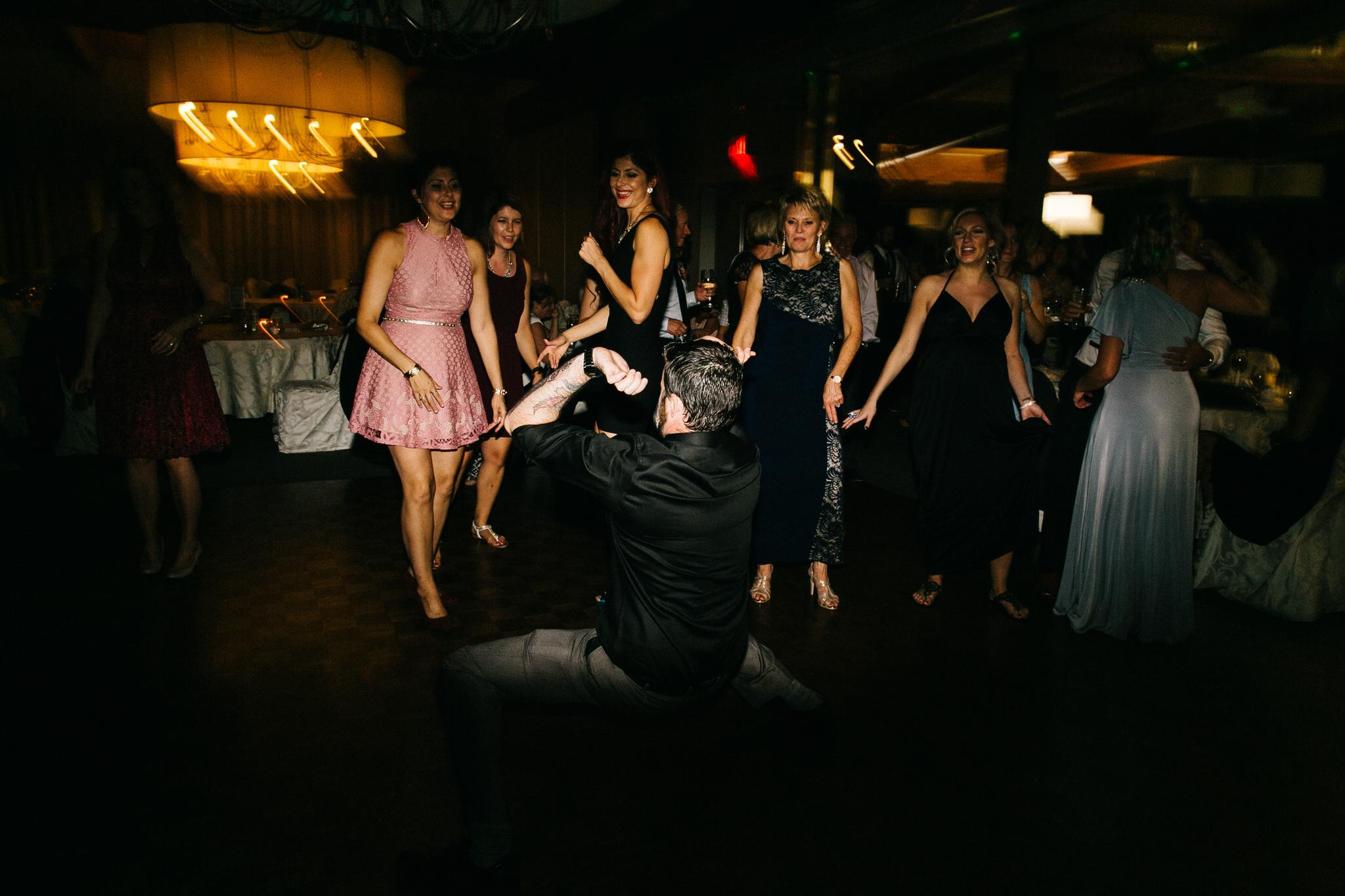 St. George Anglican Oshawa, Toronto wedding photographer, parkwood estates oshawa, oshawa golf and curling club