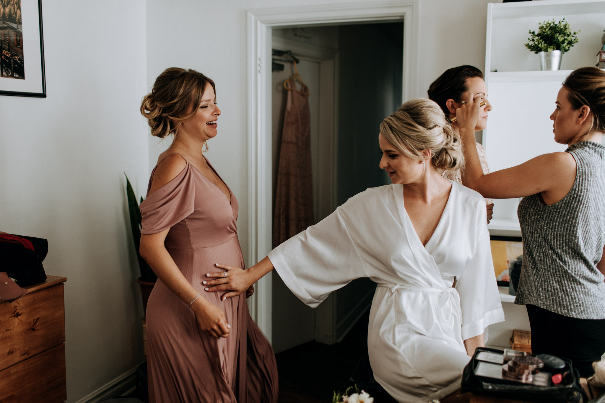 broadview hotel wedding, toronto wedding photographer, mauve bridesmaid dresses, first look, cherry beach first look