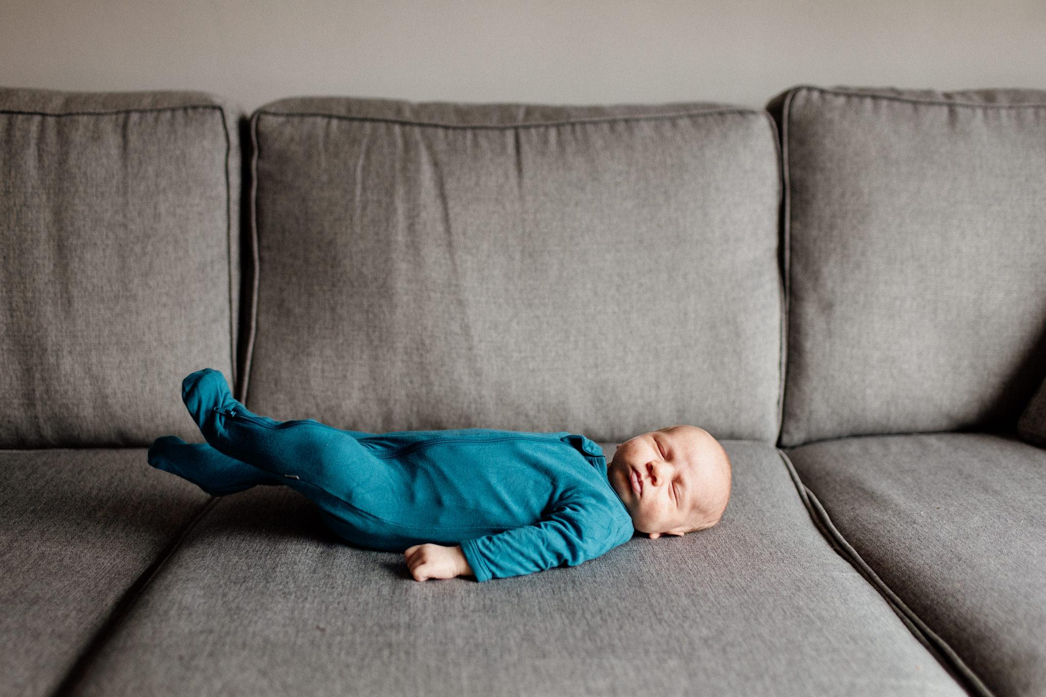 oshawa newborn photographer